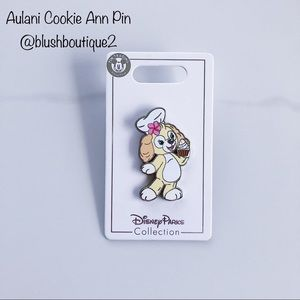 NWT Aulani Cookie Ann Duffy Bear Friend Pin
